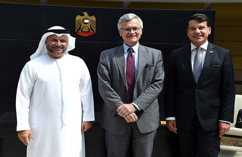 قرقاش يؤكد دعم الإمارات لجهود الأمم المتحدة للحل السياسي في اليمن