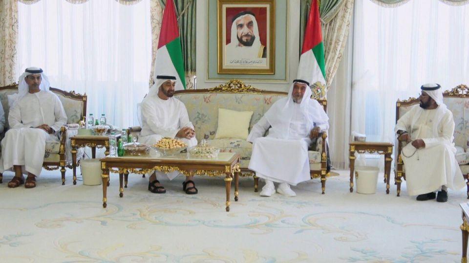 الرئيس الإماراتي يستقبل محمد بن زايد بمقر إقامته في فرنسا