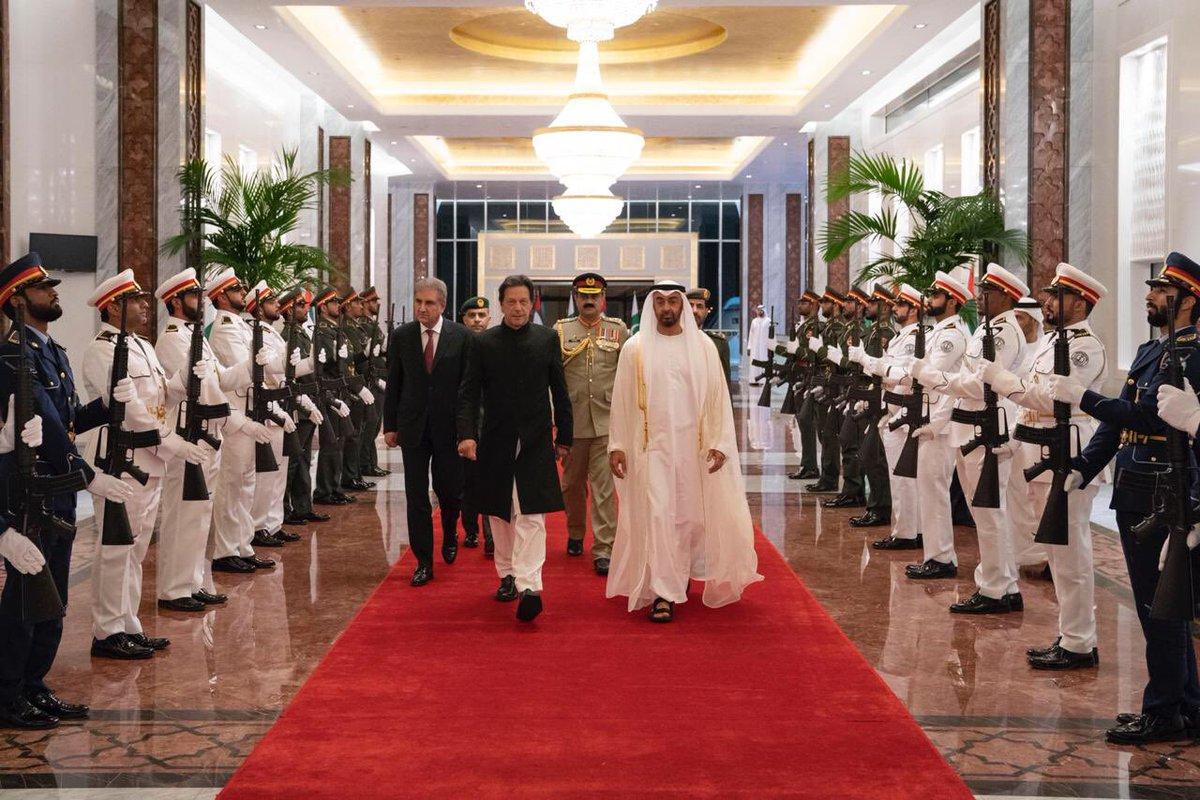 محمد بن زايد يستقبل رئيس وزراء باكستان ويبحث معه تعزيز العلاقات بين البلدين