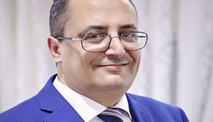 وزير يمني سابق يتوقع التخلص من وزيري الداخلية والنقل