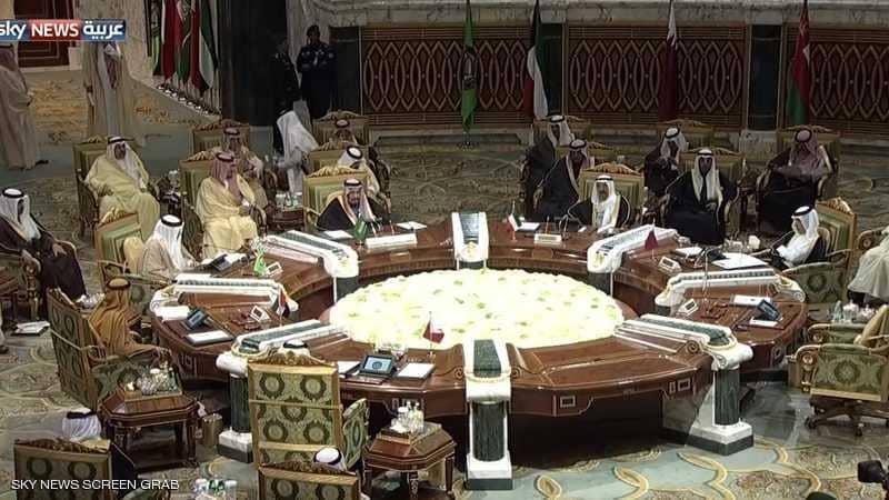 الإمارات ترحب بدعوة السعودية لعقد قمتين خليجية وعربية