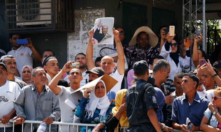 انتقادات واسعة لوسائل إعلام سعودية وإماراتية في تغطيتها للشأن التونسي بعد وفاة السبسي
