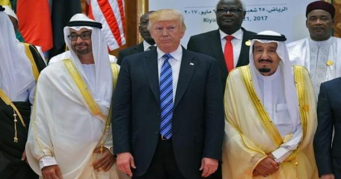 جون أفريك: اختلاف في مواقف الإمارات والسعودية تجاه التصعيد بين أميركا وإيران