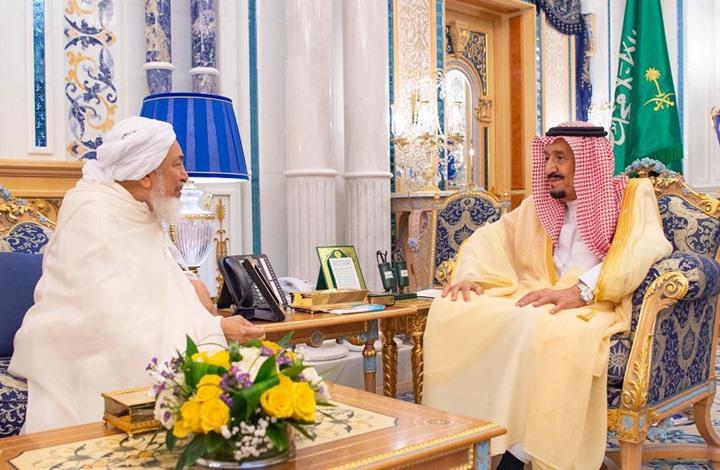 الملك سلمان يستقبل مفتي الإمارات