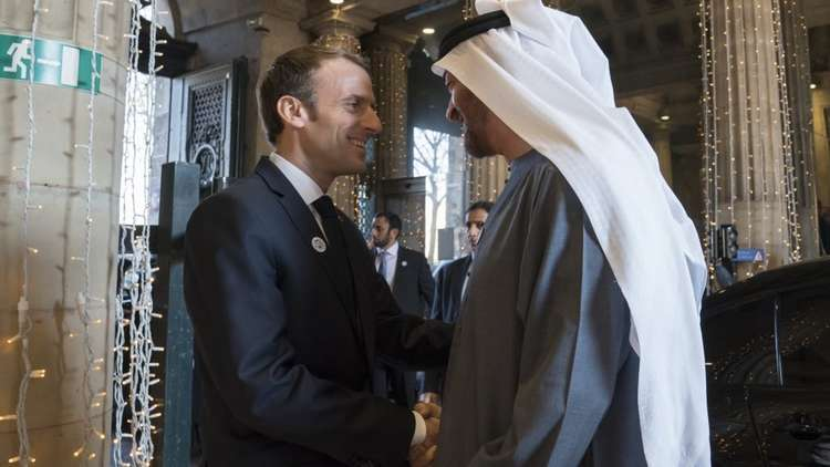 محمد بن زايد يبحث مع الرئيس الفرنسي هاتفياً العلاقات الثنائية