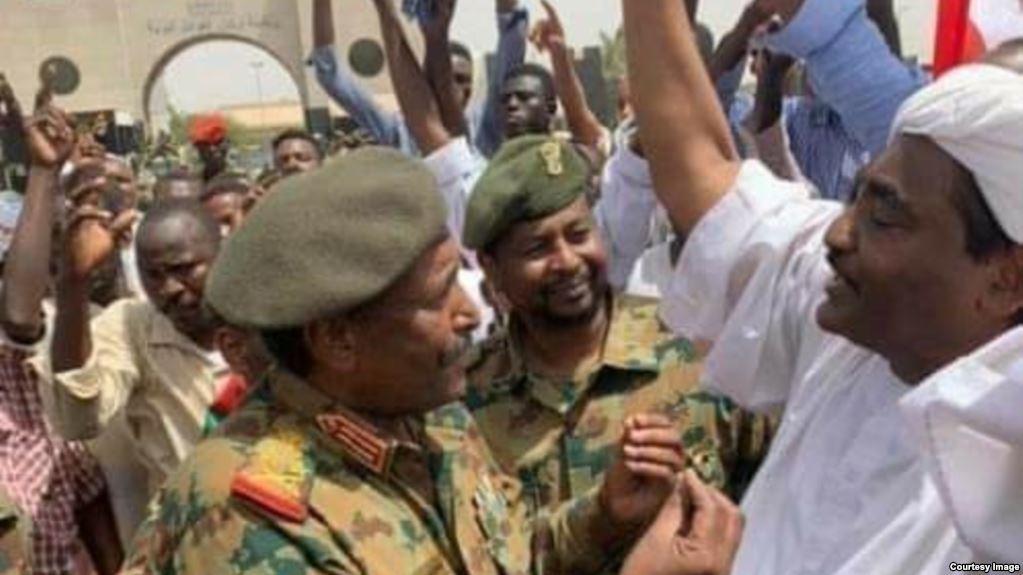 رئيس المجلس العسكري الانتقالي في السودان عبد الفتاح برهان وحقيقة علاقته بأبوظبي