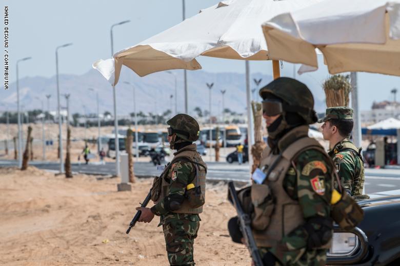 الإمارات تدين الهجوم الذي استهدف قوات الأمن المصري في سيناء