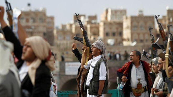 الحوثيون يبدؤون انسحاباً أحادياً من 3 موانئ في الحديدة والحكومة اليمنية تصف ذلك بالمسرحية