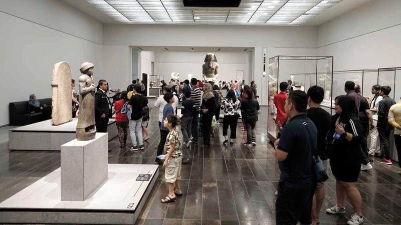 اتهامات فرنسية لأبوظبي بالإضرار مالياً بمتحف اللوفر في باريس