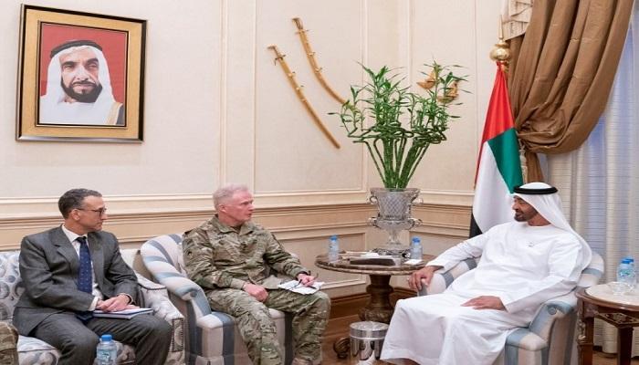 محمد بن زايد يستقبل قائد العمليات الخاصة الأميركية