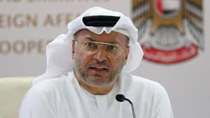 سجال على تويتر بين قرقاش ومسؤول قطري حول اتفاق الرياض