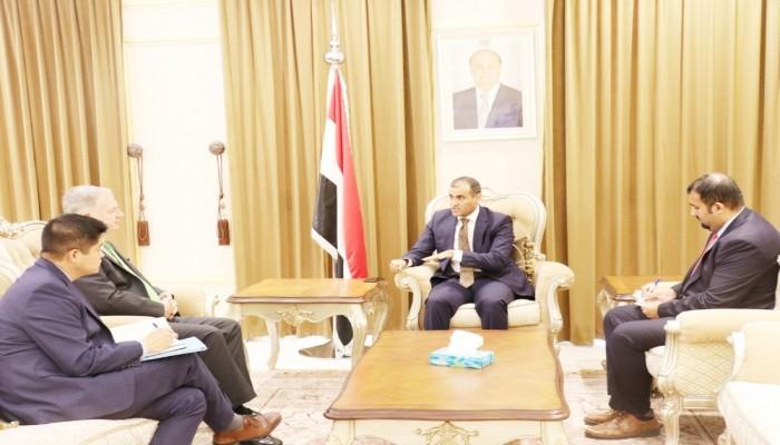 الحكومة اليمنية: استمرار الدعم الإماراتي للتمرد بعدن يعطل حل الأزمة