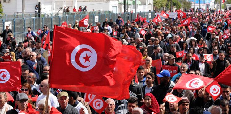 """سياسي تونسي: مسؤول إماراتي أكد لي خشية بلاده من انتقال """"العدوى الديمقراطية"""" إليها"""
