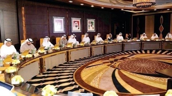 مجلس الوزراء الإماراتي يوسع المنتجات الخاضعة للضريبة الانتقائية