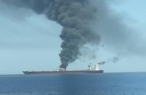 هجوم يستهدف ناقلتي نفط بخليج عمان انطلقتا من الإمارات والسعودية