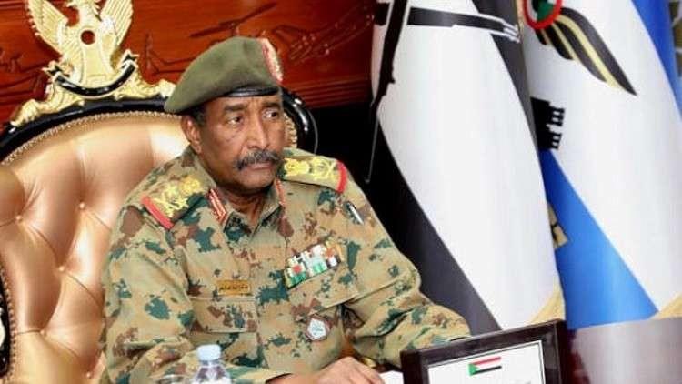 رئيس المجلس العسكري بالسودان يتلقى اتصالات من قادة السعودية وقطر والإمارات