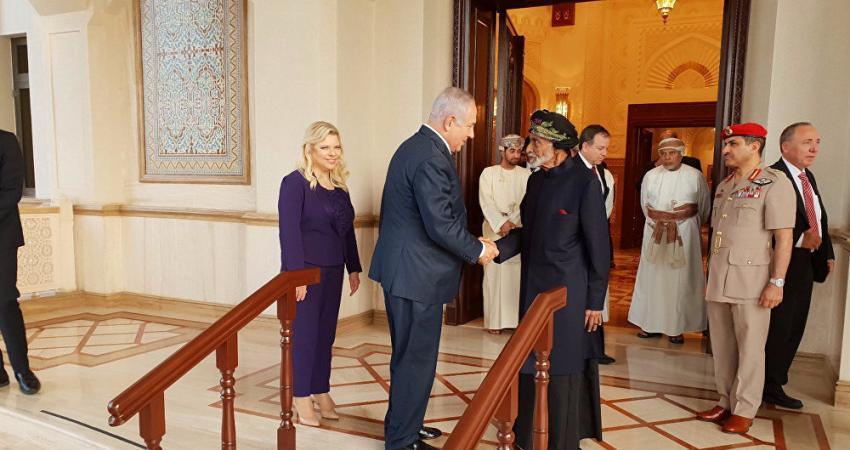 صحيفة تزعم عن دور إماراتي في زيارة نتنياهو لسلطنة عمان والتخطيط لمرحلة خلافة قابوس