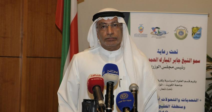 عبدالخالق عبدالله: الأنظمة الملكية أفضل من الجمهوريات العربية البائسة