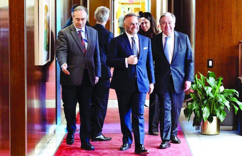 قرقاش يلتقي الأمين العام للأمم المتحدة ويدعو لضغط دولي على الحوثيين