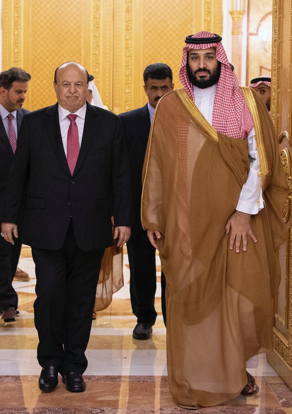 صحيفة يمنية: ولي العهد السعودي يوجه رسالة مهينة لهادي بسبب موقفه من التحركات الإماراتية