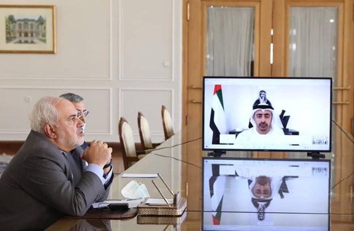 عبد الله بن زايد يبحث مع وزير الخارجية الإيراني تعزيز التعاون بين البلدين في مواجهة كورونا
