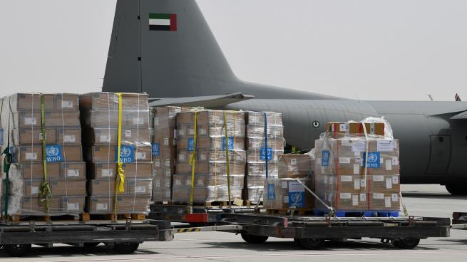 الإمارات ترسل 16طنا من الإمدادات الطبية إلى إيران