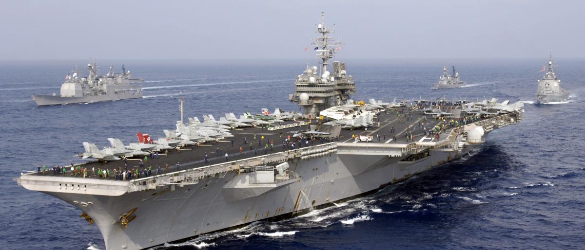 القوات الأمريكية تنهي مناورات عسكرية بالذخيرة الحية في مياه الخليج العربي