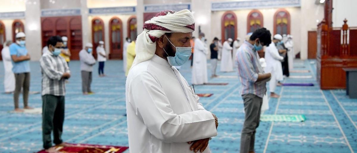 الإمارات تعيد فتح المساجد بعد 100يوم من إغلاقها وتمنع سفر مواطنيها للسياحة