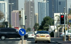 صحف الإمارات: 13 ألف مخالفة قطع إشارة حمراء... وموجة غلاء تضرب قطاعات حيوية