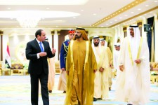 سياسة الصرف الإماراتية.. عجز الداخل وفائض الخارج