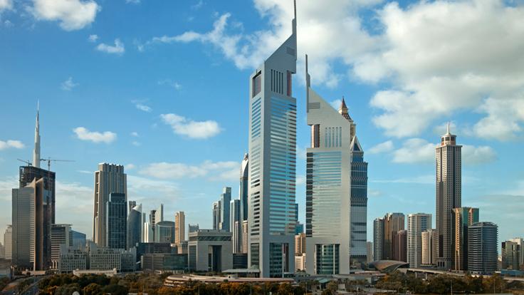 غارديان: تباين مستويات السعادة.. يفضح التمييز الطبقي في الإمارات